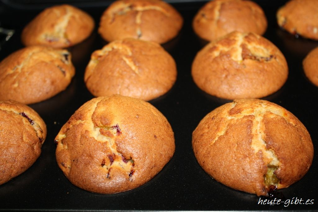 Finished plums Muffins
