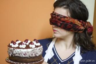 Bröseltorte mit Kirschen vom Blind Bake