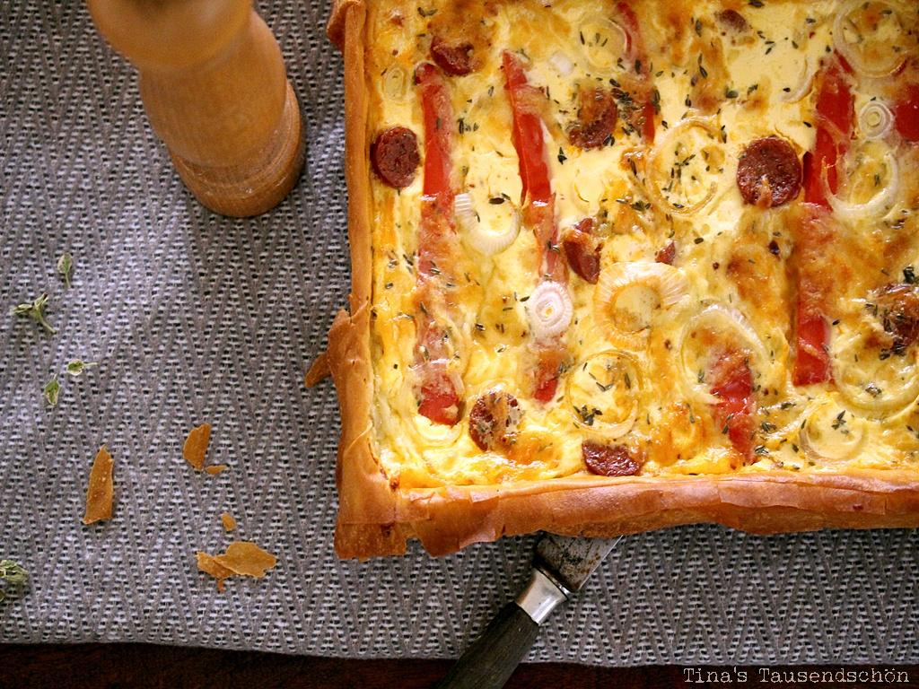 Filoteigtarte mit Paprika und Chorizo
