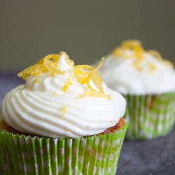 Cupcakes mit Zitronen-Topping
