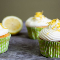 Refreshing cupcakes with lemon