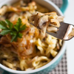 Cheese noodles with mushrooms