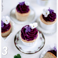 Almond Cupcakes violet with blueberry frosting