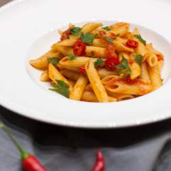 Pastaklassiker Penne all'arrabbiata