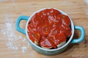 Tomato sauce on pasta
