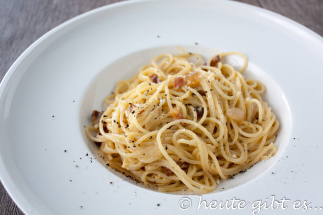 Spaghetti carbonara - 11 minutes to the perfect dish - Tips and Tricks
