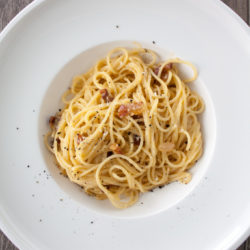 Spaghetti alla carbonara - 11 minutes to the perfect dish - Tips and Tricks