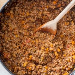 Bolognese sauce - classico sugo per la pasta italiana