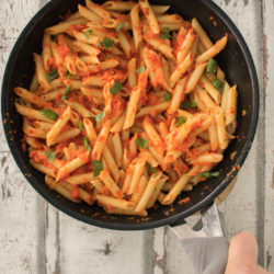 Quick pasta with vegetable chili