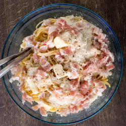 Frittata di spaghetti: Nudel-Omelette als Resteverwertung für Pasta