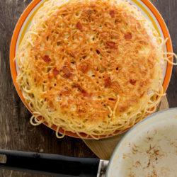 Frittata di spaghetti di: frittata di noodle come gli avanzi per la pasta