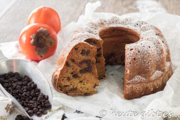 Saftiger Rührkuchen mit Kaki. Einfach zubereitet.
