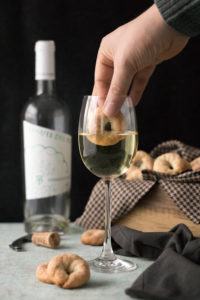 Ciambelline al vino bianco, delicious wine biscuits from Italy