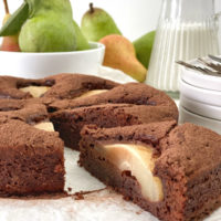 Saftiger Schokoladenkuchen mit Birne